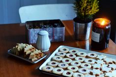 Linecké cukroví - recept na základní vánoční cukroví ⭐️ Pudding, Desserts, Food, Tailgate Desserts, Deserts, Custard Pudding, Essen, Puddings, Postres