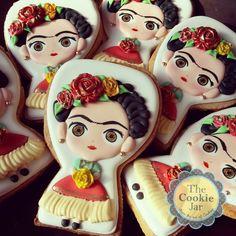 Too cute frida cookies 🍪 Fiesta Cake, Mexican Fiesta Party, Iced Cookies, Cupcake Cookies, Cookie Favors, Frida Kahlo Party Decoration, Galletas Decoradas Royal Icing, Frida Kahlo Birthday, Frida And Diego