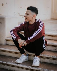 Creative Fashion Photography, Portrait Photography Men, Photography Poses For Men, Men Tumblr, Tumblr Boys, Best Photo Poses, Freestyle Rap, Stylish Boys, Insta Photo Ideas