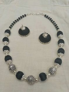 For reference only Handmade Pearl Jewelry, Funky Jewelry, Fabric Jewelry, Beaded Jewelry, Silk Thread Necklace, Beaded Necklace Patterns, Jewelry Patterns, Silk Thread Bangles, Thread Jewellery