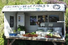 Scilly Organics is an organic market garden on St Martin's, Isles of Scilly, growing fruit and veg that is sold locally on the Islands. We sell to caterers, weekly veg box customers and also have a roadside stall in Middle Town on St Martin's http://www.organicholidays.co.uk/at/3285.htm