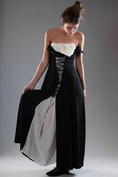 YOHJI YAMAMOTO - Haute Couture Dress :: Ivo Milan