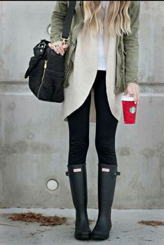 Look com galochas Stylish Winter Outfits, Fall Winter Outfits, Autumn Winter Fashion, Casual Outfits, Rainy Day Outfit For Fall, Fashion Fall, Winter Style, Spring Outfits, Boating Outfit