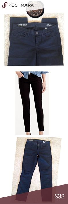 """J Crew Toothpick 27 Ankle EUC.  Black, no stains or holes.  They have no stretch to them.  Sit below waist.   * Sits at hip. * Midrise. * Fitted through hip and thigh, with a superskinny, ankle-length leg. * Front rise: 8 3/4"""". * 28"""" inseam. J. Crew Jeans Skinny"""