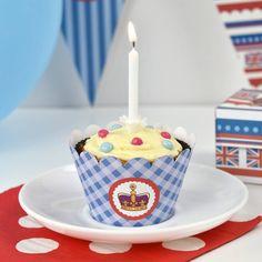 Happy 90th birthday to the Queen! #queensbirthday #happybirthday #queenat90 #cupcake #british #britishparty #birthdaycake #royalparty #partyprintables #cupcakewrapper