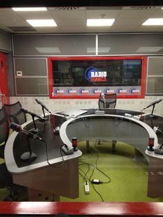 locutorio radio desde lado delantero 1