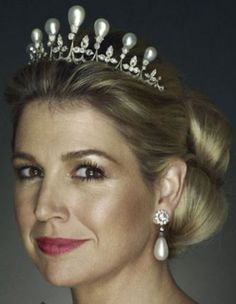 Princess Maxima of the Netherlands wearing the Antique Pearl Tiara.
