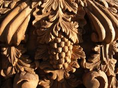 beautiful wood carvings