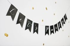 Imprimible Confetti Black & Gold: un regalo de Nina Designs
