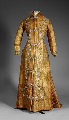 Robe d'intérieur. Vers 1870-1880. Photo Coutau-Begarie - Paris