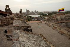 ahhh Cartagena, Colombia how I've missed you....  Awesome pic of Castillo de San Felipe