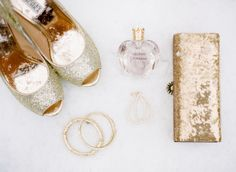 Sparkly and elegant gold bridal shoes and accessories #gold #goldwedding #weddingshoes #bride #bridalaccessories