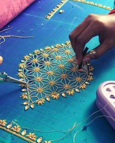 720 Posts - See Instagram photos and videos from 'pleatz' hashtag Cutwork Blouse Designs, Wedding Saree Blouse Designs, Pattu Saree Blouse Designs, Simple Blouse Designs, Zardozi Embroidery, Embroidery Motifs, Embroidery Fashion, Hand Embroidery Designs, Cut Work Blouse