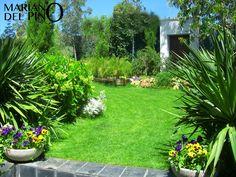 Detalle de jardineria by Mariano del Pino