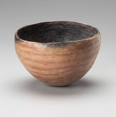 Convex Black-topped Bowl with Horizontal Bands, Fired Clay, H. 9.4 cm, D. rim 13.5 cm, Nubia, 3100–3000 BC (Terminal A-Group), Gift of Dr. George A. Reisner, Museum of Fine Arts, Boston: 19.1594