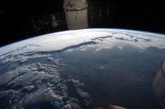 Die ISS braucht 92 Minuten, um die Erde zu umrunden. - © EPA