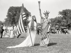 """Shorpy Historical Photo Archive :: Washington, D.C., 1919. """"Fourth of July tableau on the Ellipse -- 'Columbia,' 'Liberty' and dancers."""" Harris & Ewing Collection glass negative."""