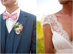 Joli coordonné entre les mariés et sublime haut de robe