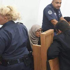 """""""Di Penjara Aku Sholat Tanpa Jilbab dan Pakaian"""""""