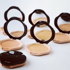 BLOGGED: my Shiseido go-to goodies. This powder foundation compact is excellent...