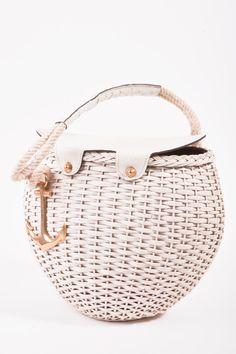 What an adorable Vintage Picnic Basket!