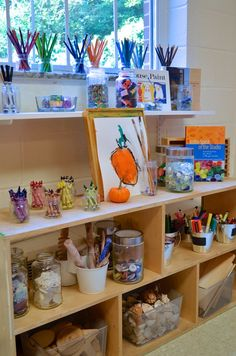 Atelier - Peachtree Presbyterian Preschool ≈≈I love the colour and organisation. Kindergarten Art, Preschool Classroom, Preschool Art, Waldorf Preschool, Reggio Emilia Classroom, Reggio Inspired Classrooms, Montessori Art, Classroom Organisation, Art Corner