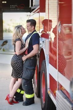 firefighter-engagement-photos-fall-engagement-session-photos-of-dogs-and-fire-men-chicago-photographer-1
