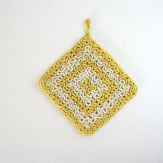 Vintage Crochet Potholder . $8.