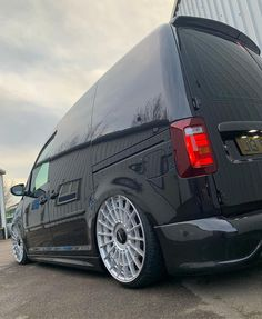 Vw Caddy Tuning, Vw Cady, Caddy Van, Volkswagen Caddy, Vanz, Custom Vans, Camper Van, Cars And Motorcycles, Dream Cars