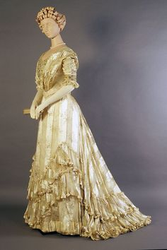 Evening dress, circa 1900. From the Kent State University Museum on Pinterest.