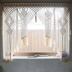 30 Pretty Crochet Window Curtain Ideas for Your Interior Design Macrame Design, Macrame Art, Macrame Projects, Macrame Knots, Macrame Wall Hanger, Macrame Curtain, Large Macrame Wall Hanging, Crochet Curtains, Diy Curtains