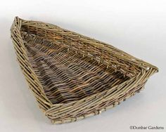 triangular willow tray willow basket by Katherine Lewis Basket Willow, Big Basket, Basket Tray, Paper Basket, Bamboo Weaving, Willow Weaving, Weaving Art, Basket Weaving, Square Baskets