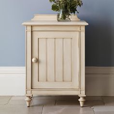 The Louis Panelled Painted Bedside Cabinet is the perfect accompaniment to And So To Bed's Louis Panelled French style bed. The tongue and groove cabinet has a simple relaxed style.  A full range of matching luxury painted bedroom furniture including a wardrobe and a dressing table are also available> http://www.andsotobed.co.uk/louis-panelled-bedside-cabinet.html