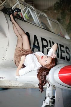 Airplane pinup - I would love it if my girl did one of these!
