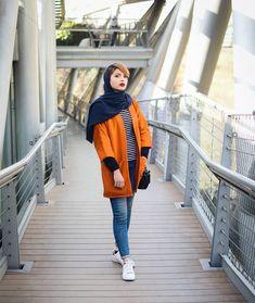 Iranian Women Fashion, Muslim Fashion, Girls Fashion Clothes, Fashion Outfits, Clothes For Women, Persian Girls, Mode Hijab, Colorful Fashion, Blouse