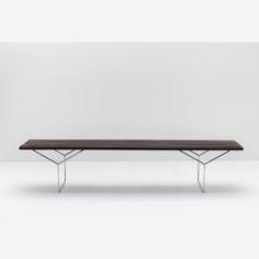 HARRY BERTOIA. slat bench, 1952. Jacarandá da bahia e aço cromado. fabricado pela forma sob licença da Knoll international. 38 x 183 x 47 cm. R$ 5.000 / 7.000