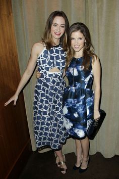 Emily Blunt & Anna Kendrick Celebrate 'Into the Woods' at a Special Cast Luncheon!: Photo Emily Blunt and Anna Kendrick sandwich in their co-star James Corden at a special lunch celebrating Into the Woods held at The Leopard at Des Artistes on Monday… Priyanka Chopra Wedding, Photoshoot Pics, Nice Dresses, Summer Dresses, Emily Blunt, Anna Kendrick, Brunette Girl, Style Snaps, Celebs