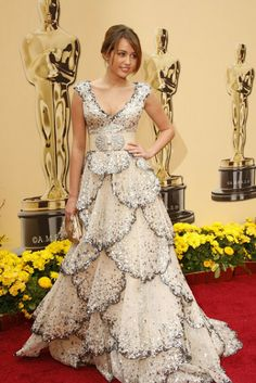 The Many Looks of Miley Cyrus - At the 2009 Academy Awards, the pop star bounced back to her squeaky clean image in Zuhair Murad, channeling a glitzy mermaid instead of off-duty Lindsay Lohan.Photo by Getty Images Oscars Worst Dressed, Oscar Dresses, Formal Dresses, Oscar Gowns, Christian Dior, Miley Cyrus Style, Red Carpet Looks, Red Carpet Dresses, Red Carpet Fashion