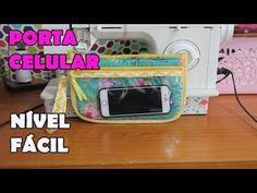 Bolsinha Porta Celular - Passo a Passo - YouTube Zipper Pouch Tutorial, Sewing Stitches, Abs, Quilts, Pouches, Wallets, Youtube, See Through, Zippered Pouch Tutorial