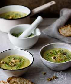 Chilli, Czosnek i Oliwa Vegan Vegetarian, Vegetarian Recipes, Mortar And Pestle, Chilli, Palak Paneer, Guacamole, Pesto, Food Porn, Dinner