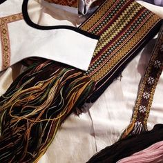 Nydelege fargar! #heimenhusfliden #heimenhusflidenr8 #bunad #beltestakk #norway #norge #oslo Tablet Weaving, Tumblr Outfits, Folk Costume, Nordic Style, Couture, Norway, Needlework, Crochet, Band