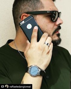 How cool does @raffaeledangioreal look with our stylish iPhone 6 case? 😎 #beaphonestar #phonestar #black #repost #style #fashion #daddycool #chic #tuesday #menstyle