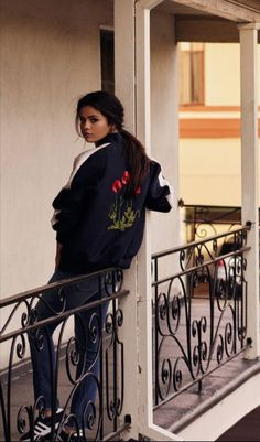 Selena Gomez News December Selena photographed for the January 2016 Issue of InStyle Magazine (UK) [HQ]Selena Gomez lookin flawless as alwaysSelena Gomez in brief shrink back from the highlight, her street style recreation within the ultimate region Selena Gomez Fashion, Style Selena Gomez, Selena Gomez Fotos, Selena Gomez Tumblr, Selena Gimez, Selena Gomez Photoshoot, Instyle Magazine, Basket Mode, Marie Gomez