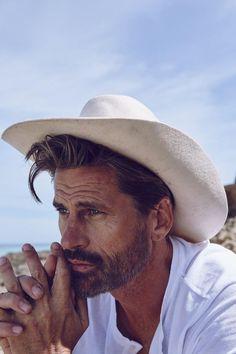 Mark-Vanderloo-Gentleman-Mexico-Beach-Shoot-2015-002