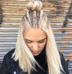 Braids With Hair Rings for Music Festivals Teen Vogue Curly Hair Styles, Natural Hair Styles, Hair Braiding Styles, Hair Hoops, Cool Braids, Teen Vogue, Easy Hairstyles, Beautiful Hairstyles, Braided Hairstyles For Short Hair