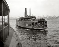"""Circa """"A ferry boat, New York."""" The steamer Cincinnati off Manhattan. inch dry plate glass negative, Detroit Publishing Co. Old Pictures, Old Photos, Shorpy Historical Photos, Home Nyc, Staten Island Ferry, Ferry Boat, Colorized Photos, Union City, Vintage New York"""