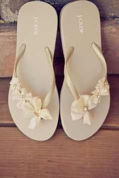 dress up some inexpensive flip-flops to turn them into after wedding bridal shoes. Cute, comfortable, and cheap- because I live in my flip flops Flip Flops Diy, Bride Flip Flops, Flip Flop Sandals, Decorate Flip Flops, Ribbon Flip Flops, Wedding Flip Flops, Beach Flip Flops, Comfy Shoes, Cute Shoes