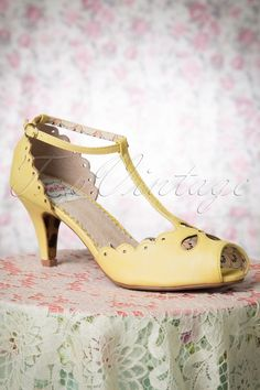 Bettie Page Claire Yellow Peep Toe Pump 401 80 14269 04072015 03W