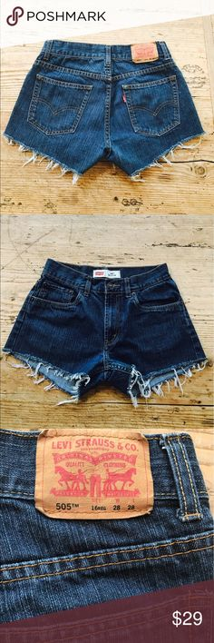 """Levi's 505 cut off shorts size 2 Levi's 505 cut off shorts. Perfect 2.5"""" inseam with fringed hem. Levi's 505 are just like 501's without the button fly. Super comfy. Size is marked a 28 and these fit like a size 0-2. Great price for these!!!  100% cotton.  Price is Firm. Levi's Shorts Jean Shorts"""