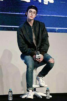 that kid in math who's super good but also looks too good to be good -our maknae SEHUN EXO Baekhyun Chanyeol, Foto Sehun Exo, Sehun Hot, Chen, Kim Minseok, Exo Ot12, Hunhan, Kpop Exo, Bts And Exo